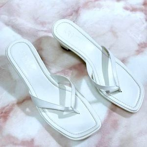 FRANCO SARTO | LEATHER White Kitten Heel Sandals